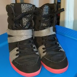 DC mirage wedge sneakers. EUC